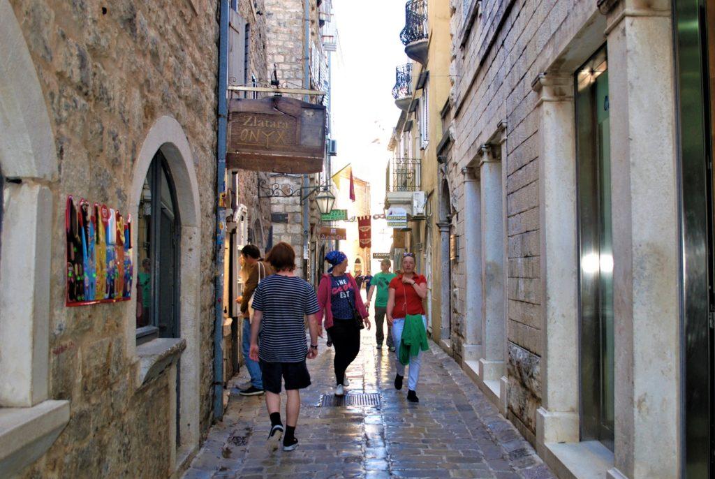 montenegro budva centro storico edifici in pietra