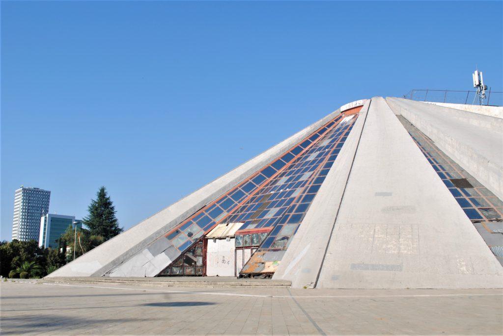 albania tirana piramide enver hoxha