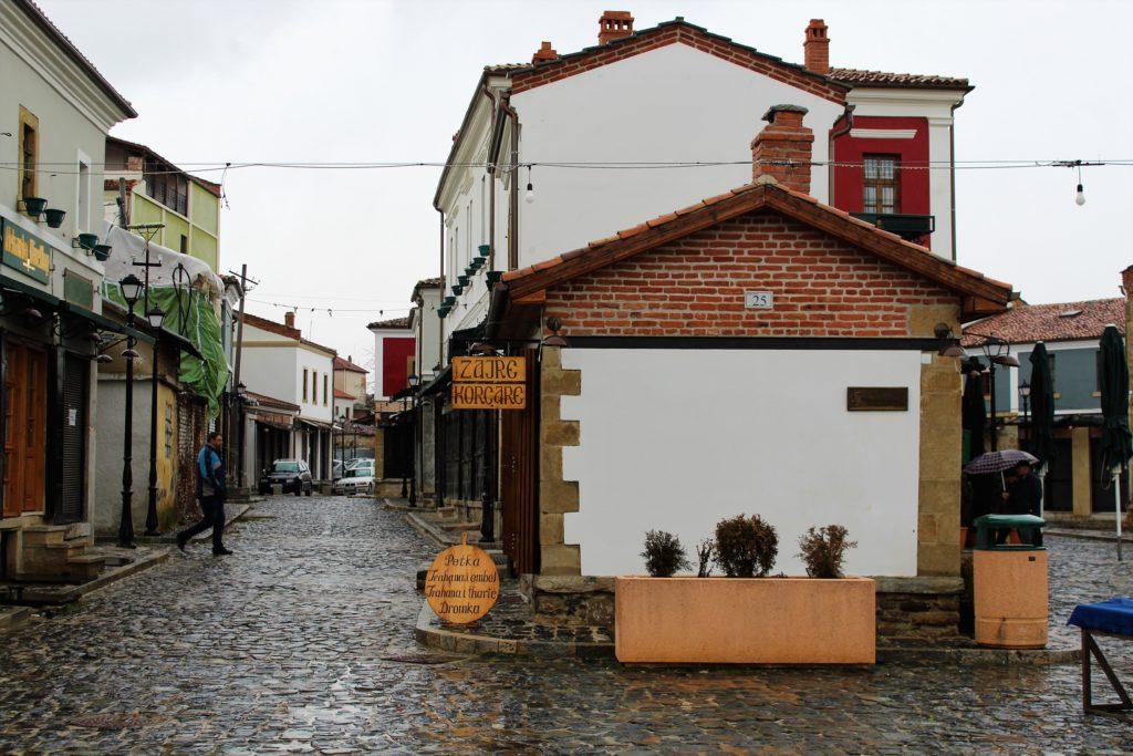 albania korça pazari i vjeter case tipiche