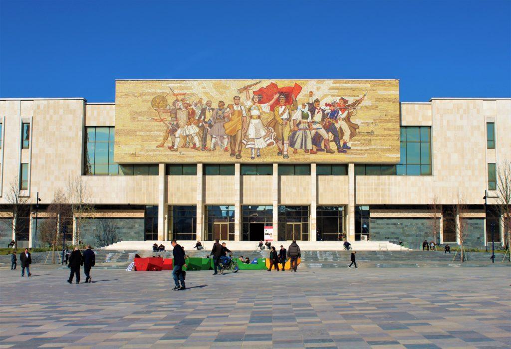 albania tirana piazza skanderbeg museo storico nazionale