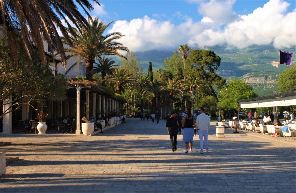 montenegro budva passeggiata