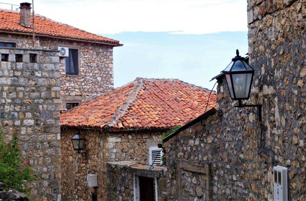 montenegro ulcinj casette in pietra