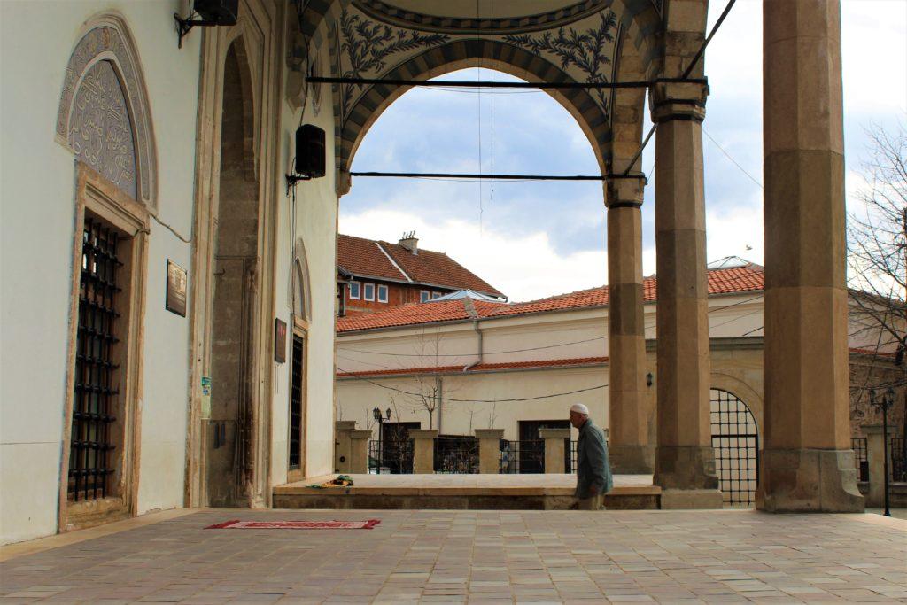 kosovo pristina ingresso moschea
