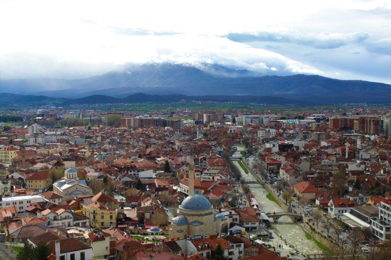 kosovo prizren panorama città moschee