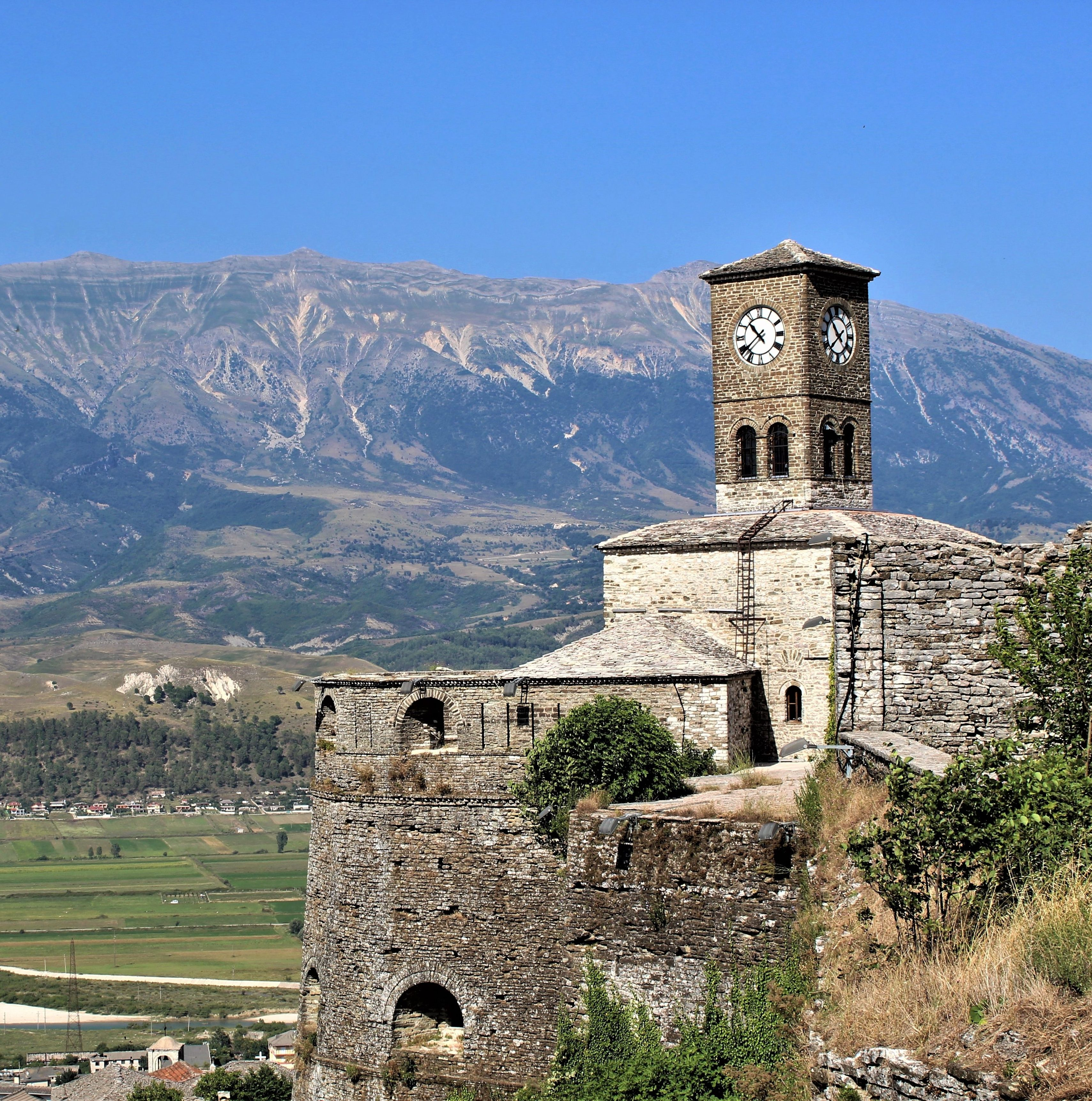 albania girocastro castello torre orologio e panorama