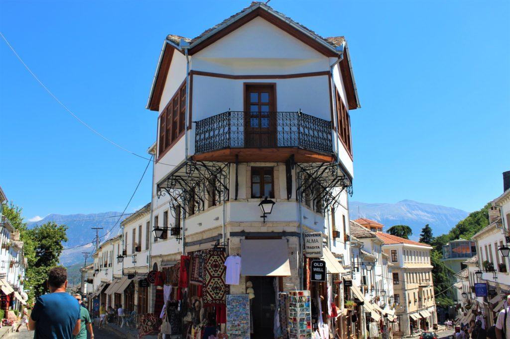 albania girocastro bazar case tipiche