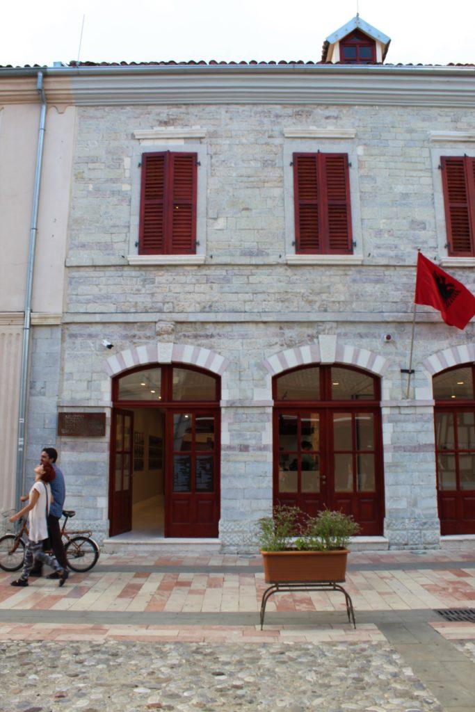 albania scutari museo marubi pedonalja